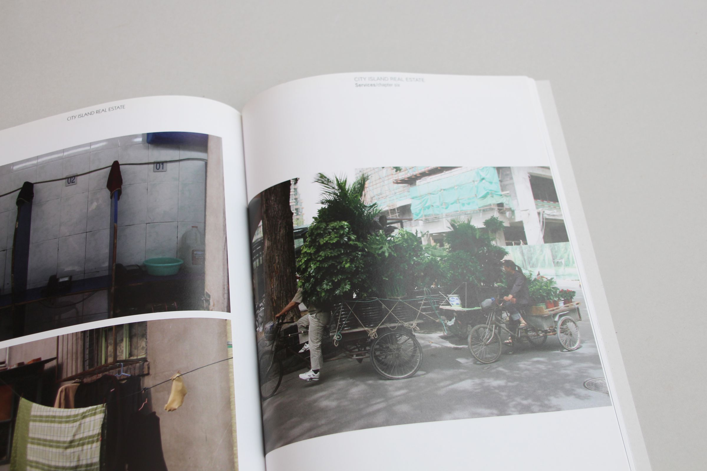 Sandberg China beeldessay city Island  fotografie photography gegraphic design studio de vormforensen by Annelou van Griensven Anne-Marie Annemarie Geurink Bookdesign Arnhem graphic anthropology boekontwerp coverontwerp omslag arnhem grafisch ontwerp uitgeverij boekontwerp bejing